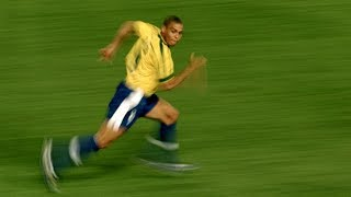 Dribbles that show why Ronaldo was called a phenomenon
