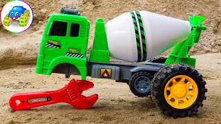 Concrete mixer gets police car, plane, jeep car repair help - Toys for kids - Kid Studio