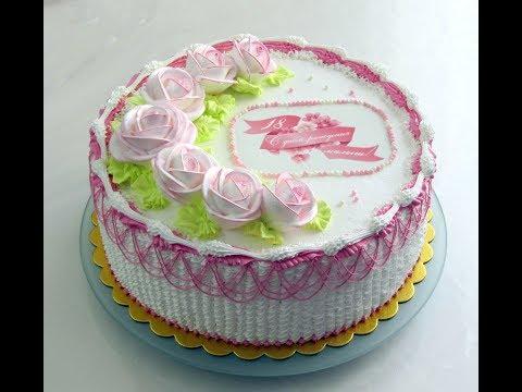 украшение торта белково-заварным кремом.