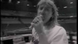 10 - Armageddon It (Def Leppard - Rock Age)