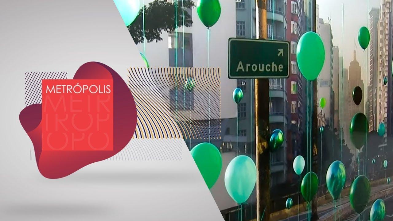 'O Absurdo e a Graça' explora a invasão de balões coloridos a paisagens famosas | Exposição