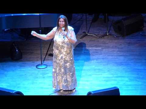 "Aretha Franklin ""Share Your Love With Me"" NJPAC 6/16/16"