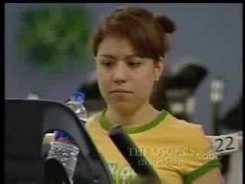 [clip] Fata de la sala de gimnastică