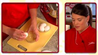 How To Make Easy Carrot Cake With Cream Cheese Frosting By Betty Crocker