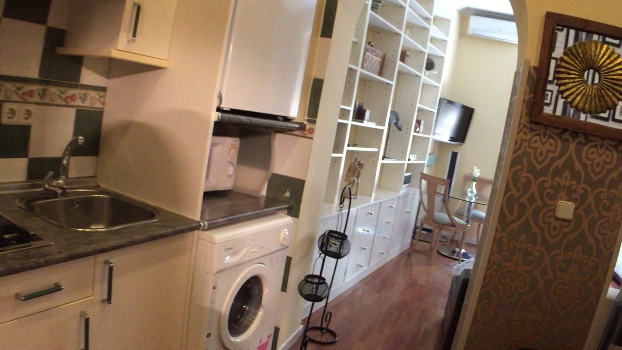 Studio apartment with AC and balcony for rent in Madrid City Center