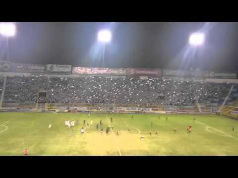 """""""Alianza vs águila"""" Barra: La Ultra Blanca y Barra Brava 96 • Club: Alianza"""