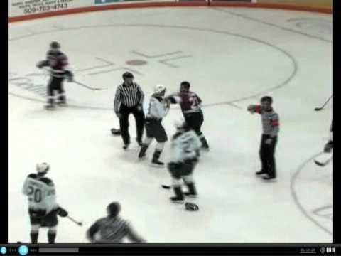 Tyler Schmidt vs. Nick Walters