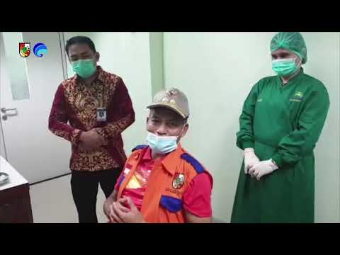 Wakil Wali Kota Pekanbaru Beserta Tokoh Publik Melakukan Vaksinasi Tahap Kedua