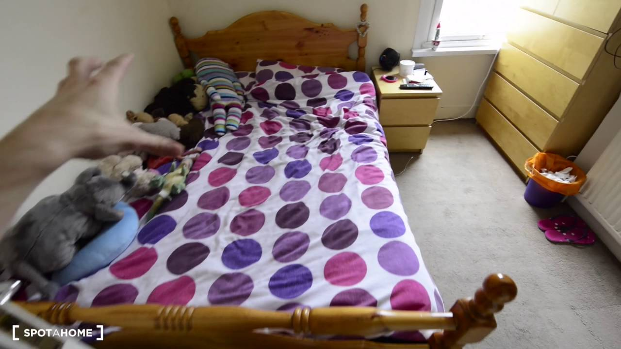 Rooms to rent in 7-bedroom houseshare with large garden - Ealing