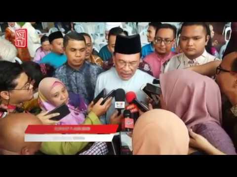 Azmin tidak perlu 'bercuti' - Anwar