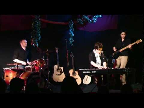 Jenny Biddle - Not Into You - live at The Manly Fig 2009/8