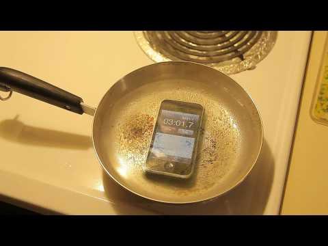 Buồn buồn đem luộc IPhone chơi