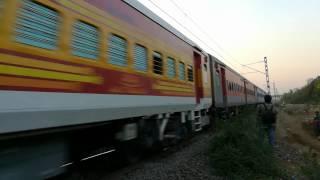 مشاهدة وتحميل فيديو Goregaon Se Mumbai ki Aawaaz with