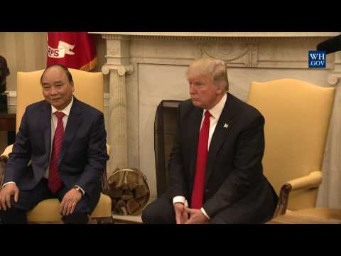 President Trump Meets with Prime Minister Nguyen Xuan Phuc