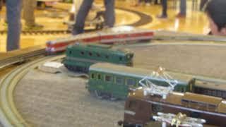 東武電車 | Kholo.pk