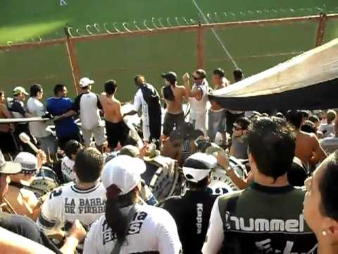 """""""LA MEJOR HINCHADA DE ARGENTINA LA 22..."""" Barra: La Banda de Fierro 22 • Club: Gimnasia y Esgrima"""