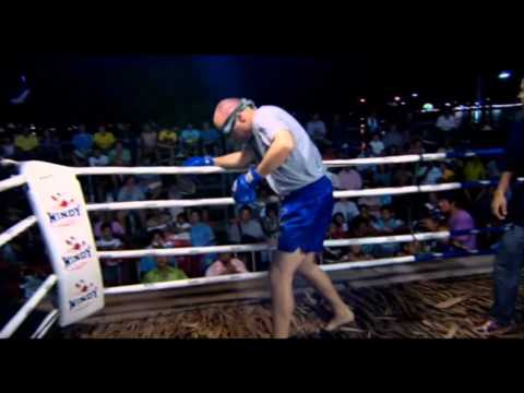 An Idiot Abroad: Blindfolded boxing