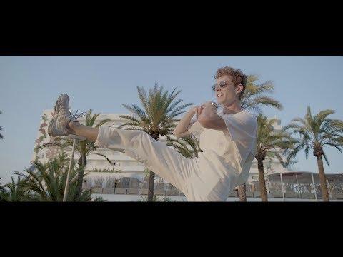P!nk - A Million Dreams Video @ Top40-Charts com - New Songs