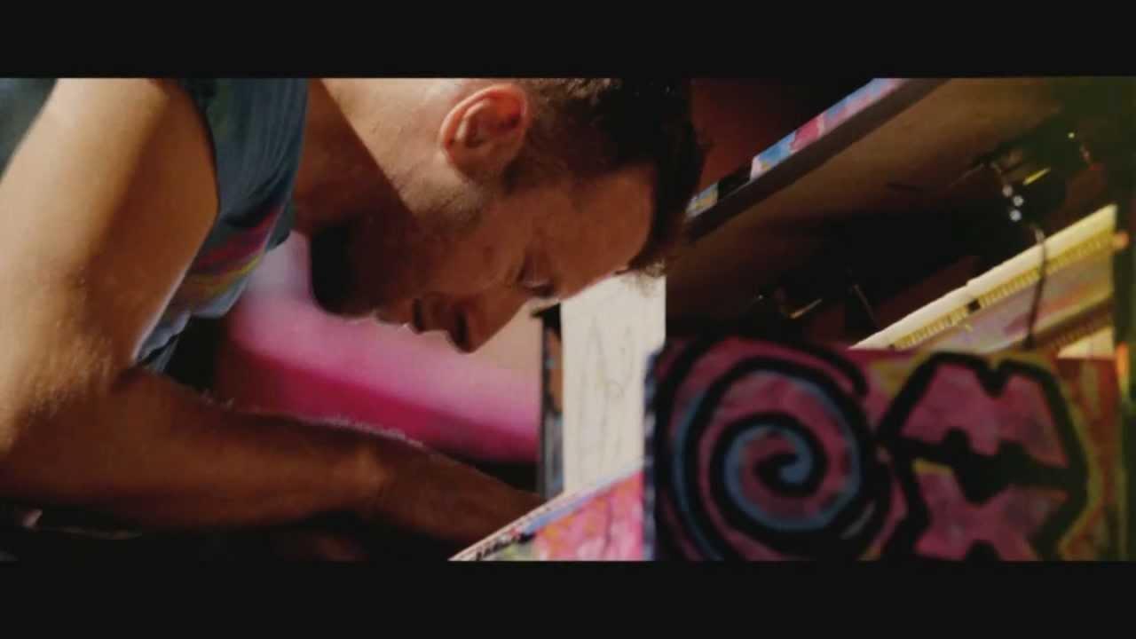 Yellow dan kasetnya di Toko Terdekat Maupun di  iTunes atau Amazon secara legal download lagu mp3 Download Mp3 Coldplay Yellow Live