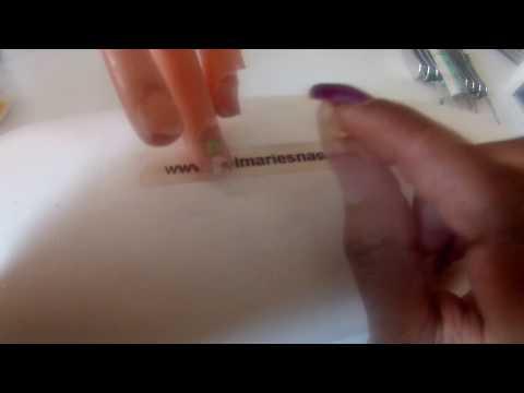 Worin poparit die Beine von gribka der Nägel