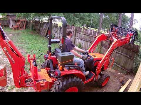 Removing 3 Point Hitch from the Kubota B2650 with backhoe