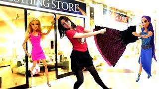 Барби открыла магазин одежды и косметики. Игры Барби - Видео для детей