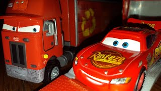 Disney Pixar Cars Jerry Recycled Batteries (Highway Hauler) Review