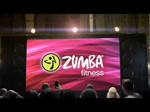Zumba Fitness 2: Tanze dich in Form / Party yourself into Shape + Fitness-Gürtel