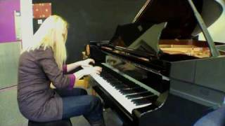 Valentina Lisitsa plays Rachmaninoff Prelude g minor Op.23 no.5, unprepared-i/t middle of interview