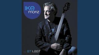 Kadr z teledysku At Last tekst piosenki Ike Moriz