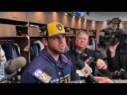 Mike Moustakas discusses his decision to re-sign with Milwaukee Brewers
