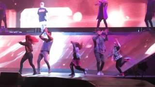 Justin Bieber - Purpose Tour Québec 2016 - Children