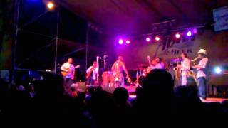 Trombone Shorty ft. Eric Krasno - Something Beautiful 4.9.11