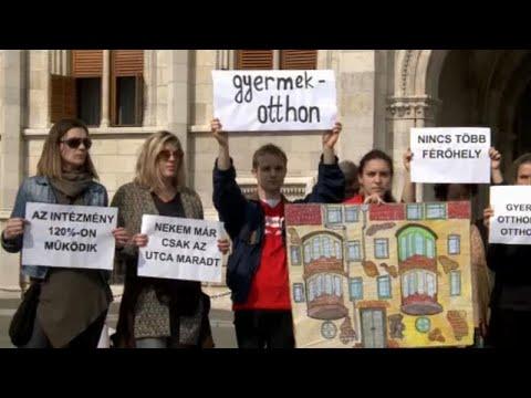 Διαδήλωση κατά των εξώσεων οικογενειών με παιδιά