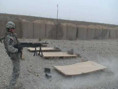 Dual Weilding M249 Machine Guns - смотреть онлайн на Hah Life