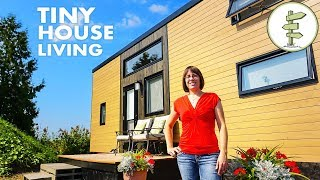 Mother and Daughter Living in a Tiny House to Achieve Financial Freedom - Tour & Interview