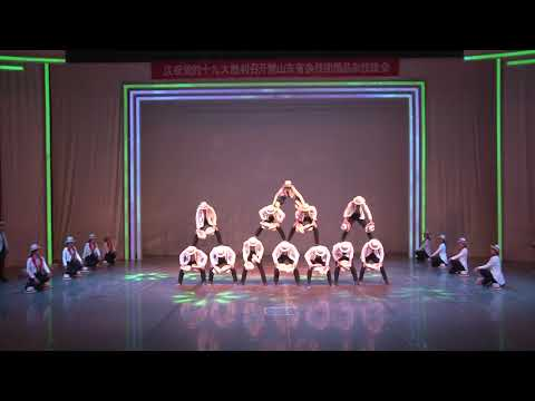 These Chinese Acrobats Are Incredible!