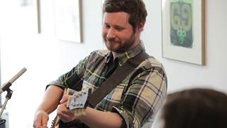 "#StraightUnplugged: Dan Mangan plays ''Indie Queens are Waiting"""
