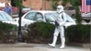 Pria Dengan Kostum Stormtrooper Membuat Seluruh Jalanan Ditutup  Tomonews