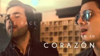 ALEJANDRO GONZÁLEZ Ft. Pipe Bueno - Le Hace Falta Un Beso (Lyric Video)
