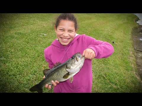 Bass Fishing (Florida Golf Course Pond) PART 2