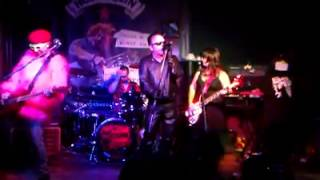 Machine Gun Etiquette - The Damned tribute - Just can't be happy - Evesham - 21/08/15