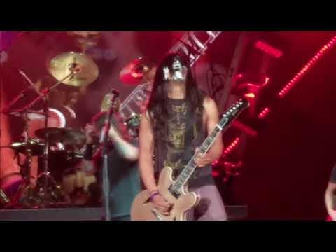 Kiss Guy Yayo Sanchez Plays Monkeywrench W Foo Fighters Austin Tx 4 18 18