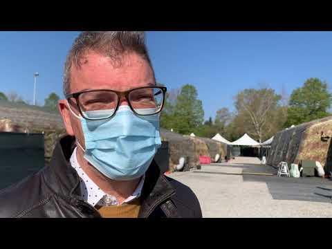 Il lavoro della Protezione Civile al centro vaccini della Schiranna