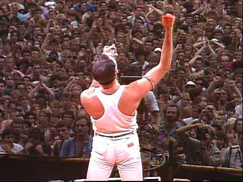 """Freddie Mercury. La historia del gran mito del rock en un libro sorprendente"""" (RedBook Ediciones / Ma Non Troppo) de Luca Garrò – Fahrenheit 77"""