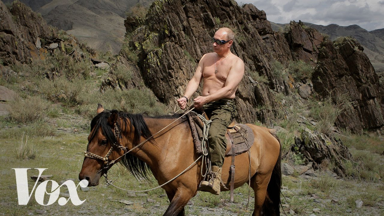 Vladimir Putin's topless photos, explained thumbnail