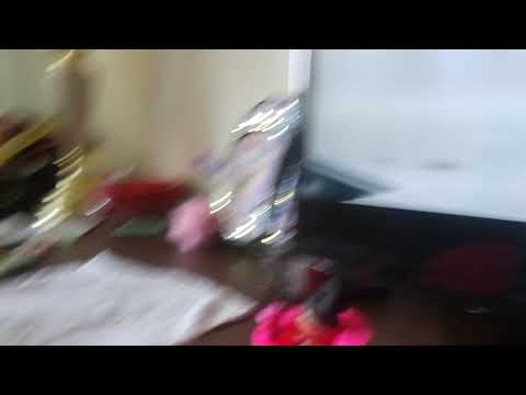 Alayna playing with LOLA dolls - YouTube