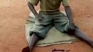 Игрушки и развлечения африканских детей. Прикол.