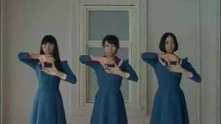 Японская поп группа. Клип.