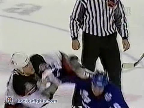 Adam Mair vs. Darcy Tucker